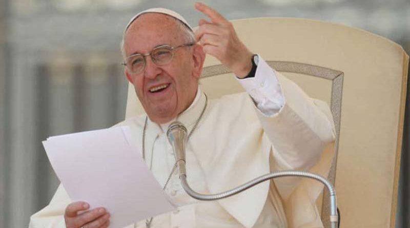 El papa Francisco se echa novia