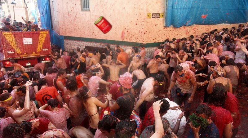Un detenido en Buñol por lanzar en La Tomatina tomate frito en lata
