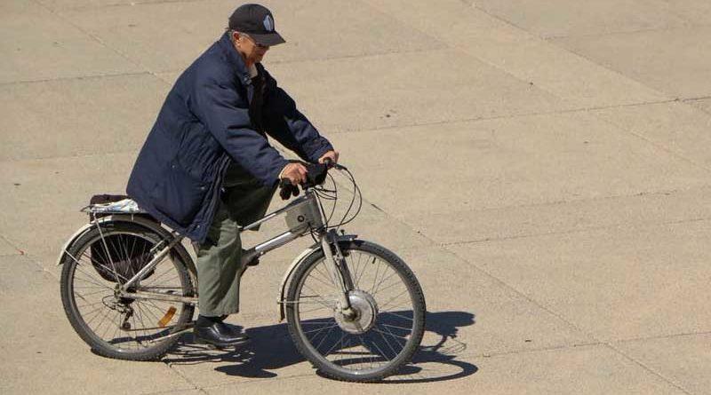 Descubierto el primer ser humano que olvida como andar en bicicleta
