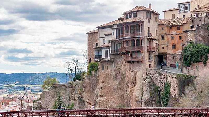 Cuenca instaura una tasa para los que pongan a su pareja mirando a la ciudad