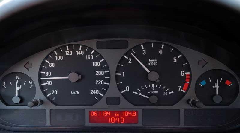 La mayoría de españoles solicita anular el cambio de hora porque no saben cambiar la del coche
