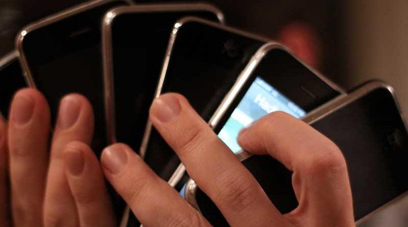 Apple sacará un iPhone para cada día de la semana