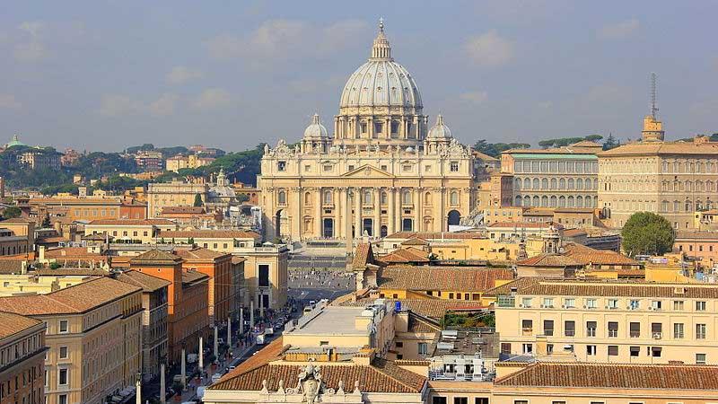La iglesia sube la condena por pederastia a 5 padres nuestros