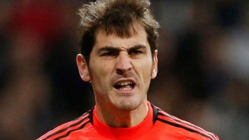 El Oporto le dice a Casillas que ha fichado a Mourinho