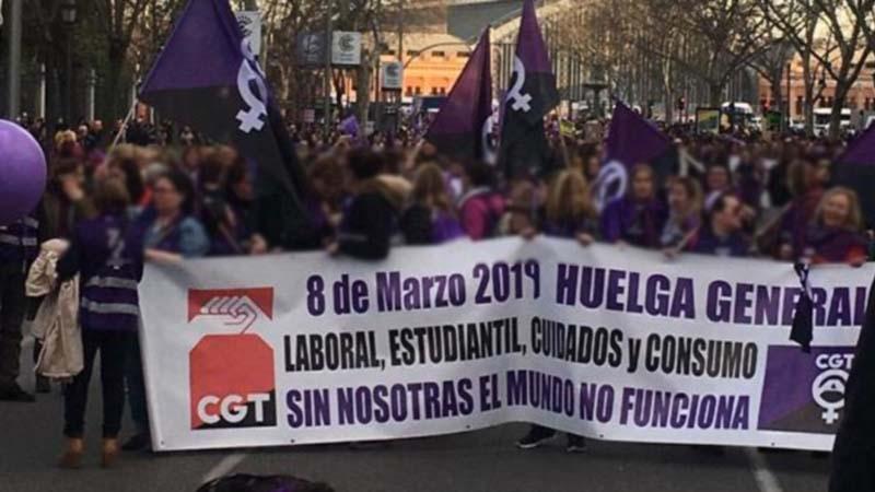 50.000 mujeres llegan tarde a la manifestación porque no sabían que ponerse