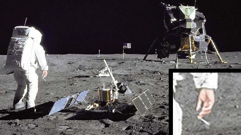 Una foto de Armstrong fumandose un 'piti' reaviva la polémica del viaje a la luna
