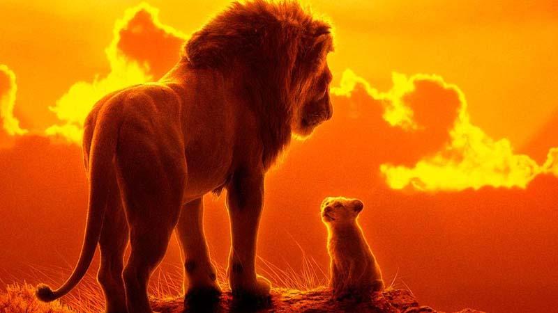 """Expulsan a Pablo Casado del cine por gritar """"¡Viva el Rey!"""" durante toda la película """"El Rey León"""""""