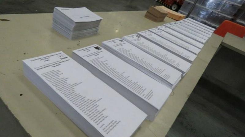 """Los españoles piden una papeleta de voto que sea: """"Que se vayan todos"""""""