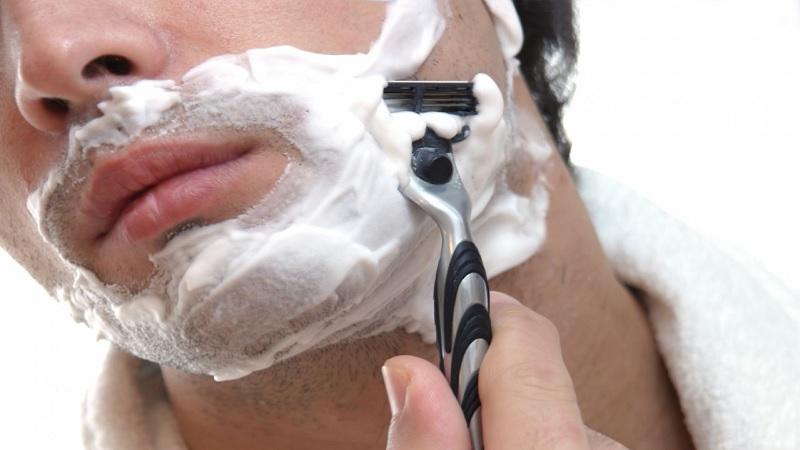 Un estudio confirma que al afeitar la barba se te queda cara de tonto