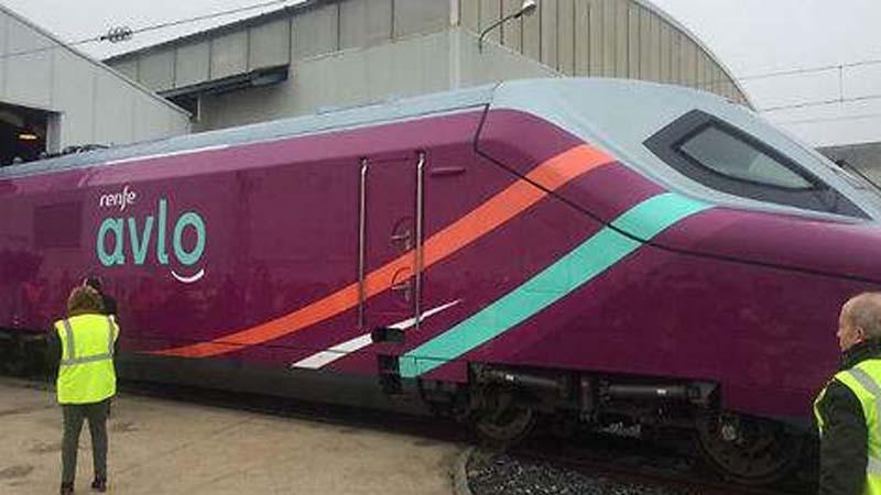 Los trenes de AVLO bajarán las cuestas en punto muerto para ahorrar combustible
