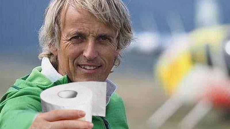 Jesús Calleja encuentra un rollo de papel higiénico en una tienda de Madrid