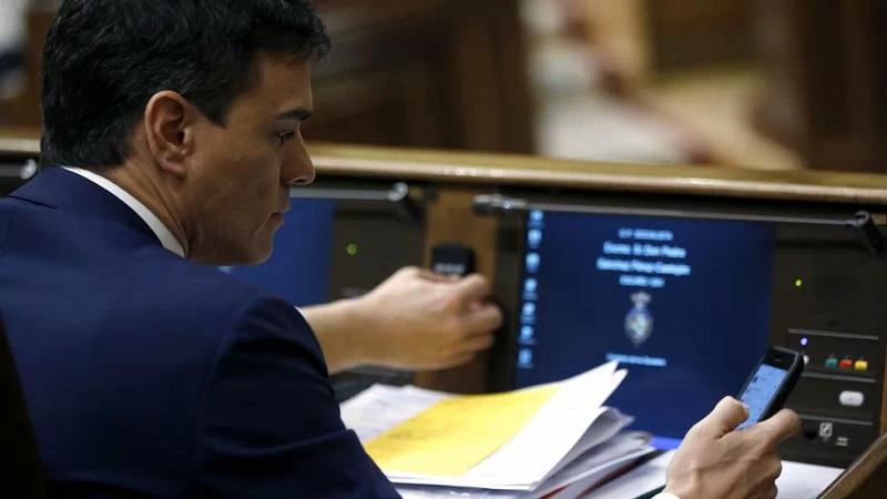 Pedro Sánchez se unirá a todos los grupos de Whatsapp de España