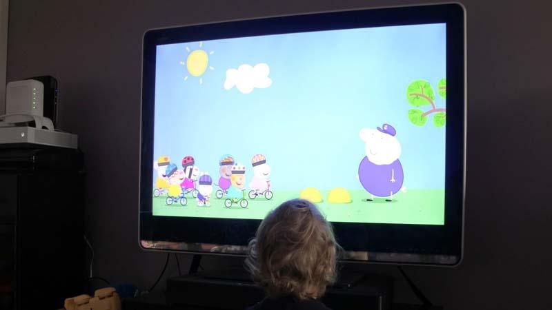 El Gobierno da luz verde a las escuelas infantiles para que emitan Peppa Pig todo el día
